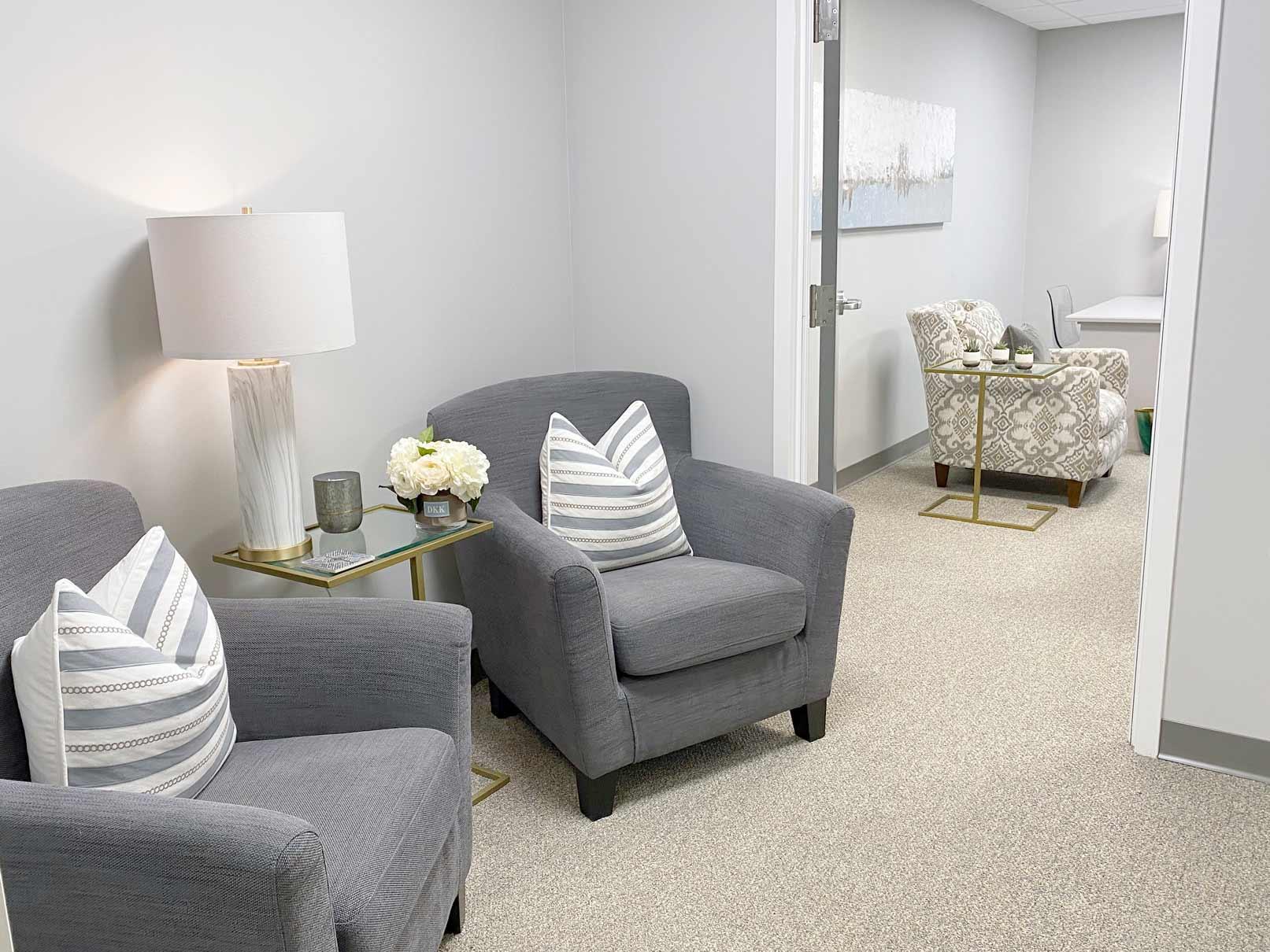 Waiting room of Dianne Kraaijvanger, Psy.D.   Psychologist and Therapist   Wellesley MA
